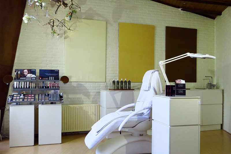 Design dressoir en kasten in wit met verschillende opbergmogelijkheden