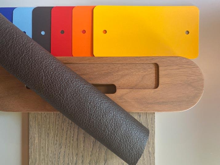 materialen gecoat staal, hout en leer