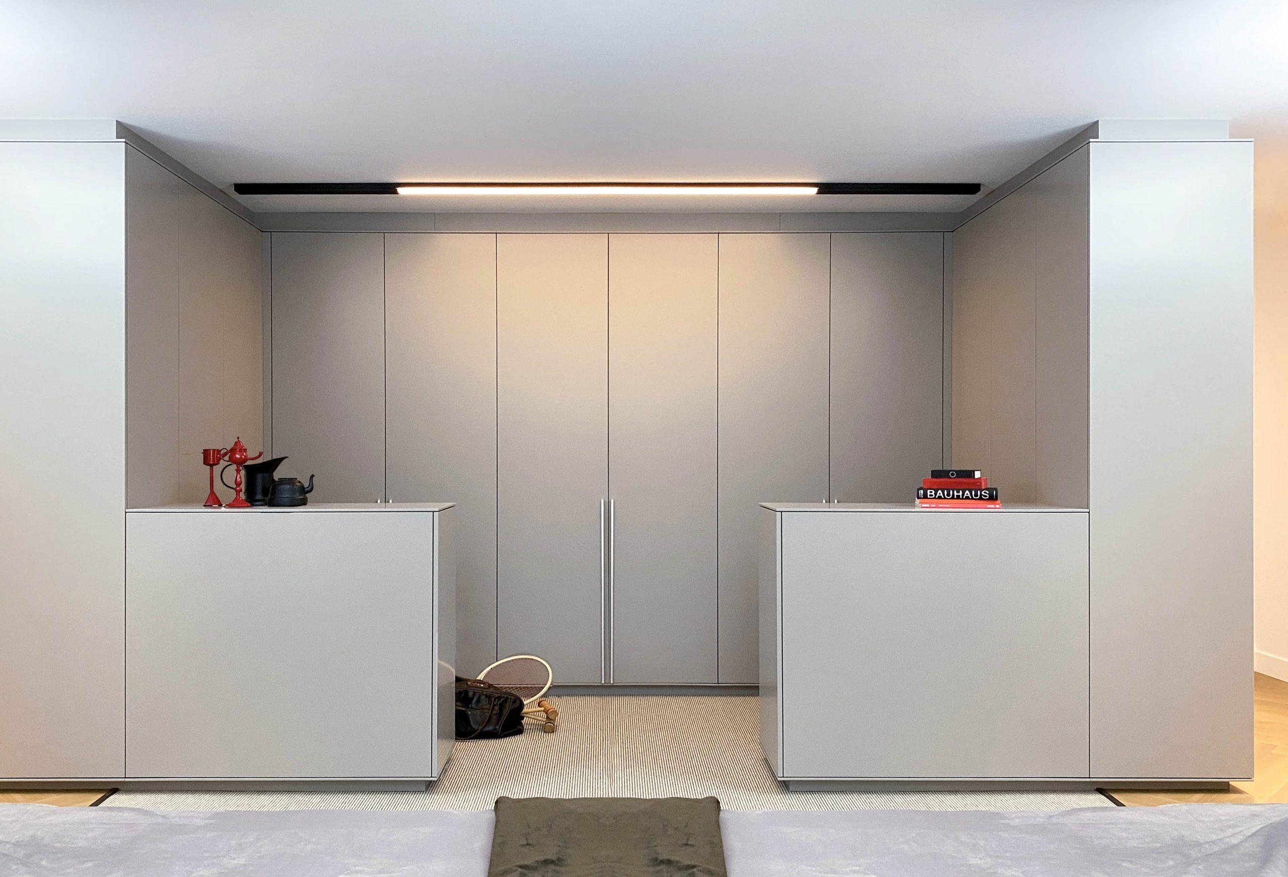 1200-3-design-kledingkast-wardrobe-i-aanzicht-hang-en-leggedeelte-dressoir