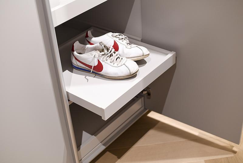 1203-2-design-kledingkast-wardrobe-i-interieur-schoenenlade
