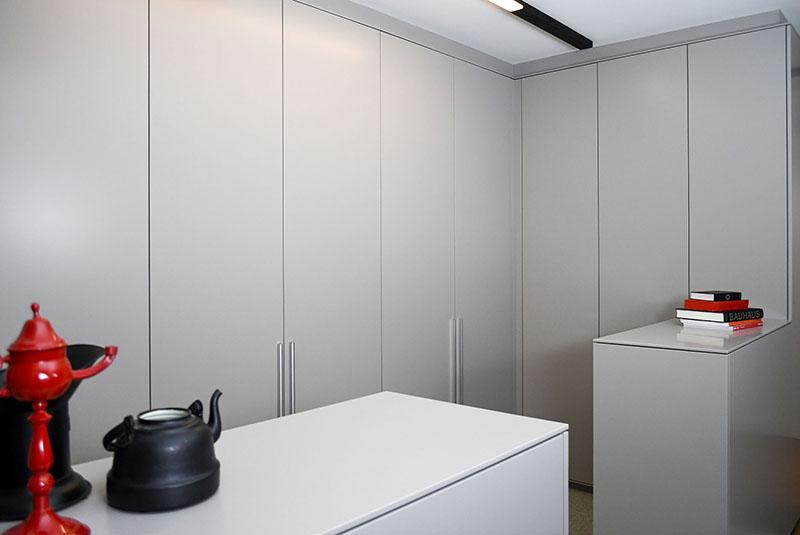 1204-3-design-kledingkast-wardrobe-i-karaktervol-dressoirs-